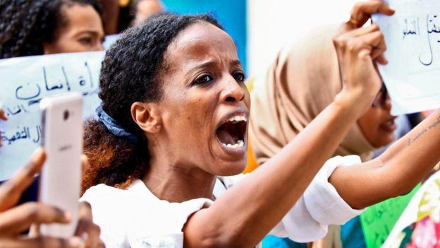 قوانین جدید سودان: آزادی نوشیدنی الکلی برای غیر مسلمانان و حذف قوانین شلاق در ملاء عام