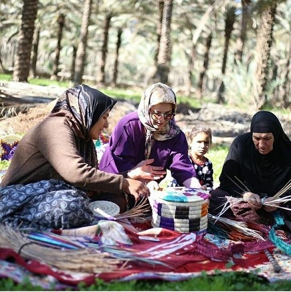 بوشهر/ توانمندسازی زنان روستای «طلحه» با هنر حصیربافی