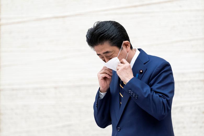 شینزو آبهبا ماسک
