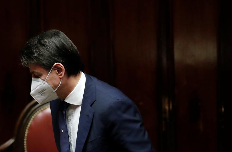 تخست وزیر ایتالیا با ماسک