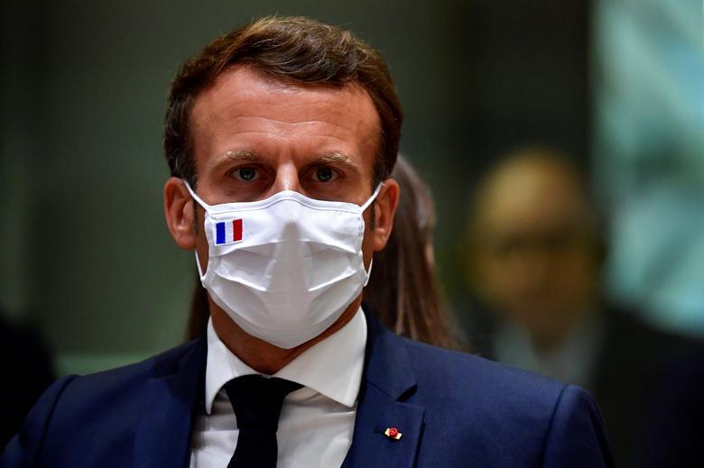 امانوئل مکرون با ماسک