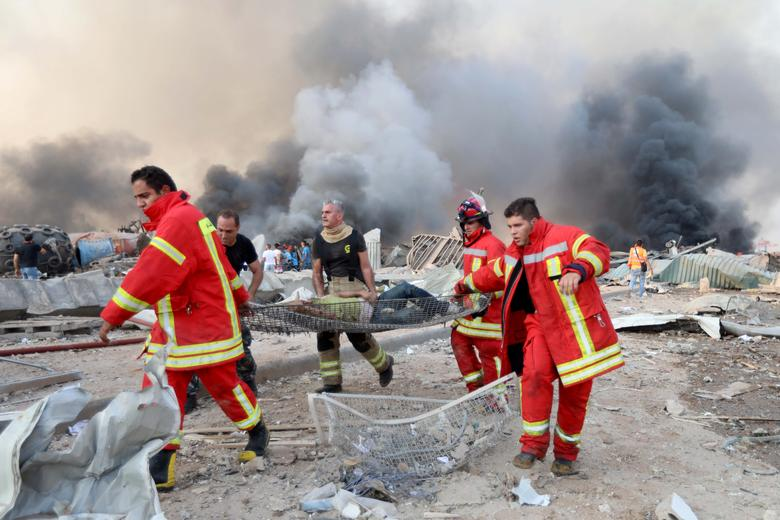 تیم های امداد و نجات در بیروت
