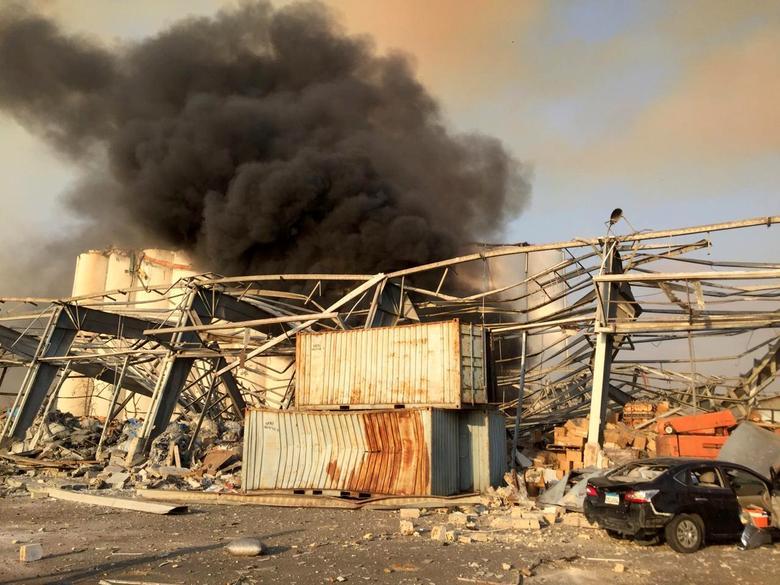 اوار  و دود در انفجار بیروت