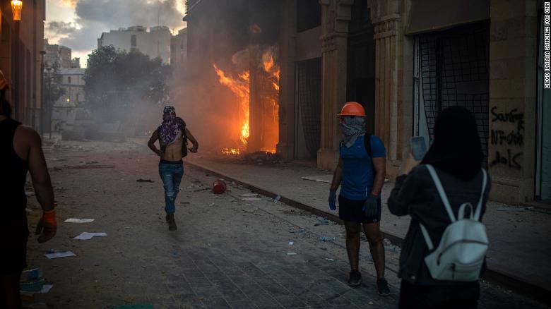 اعتراضات به انفجار در لبنان