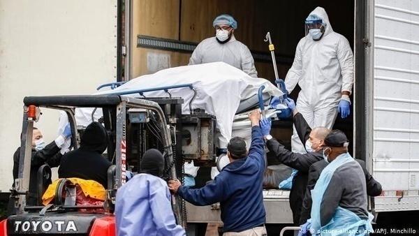 قربانیان کرونا در آمریکا از ۱۶۵ هزار نفر گذشت