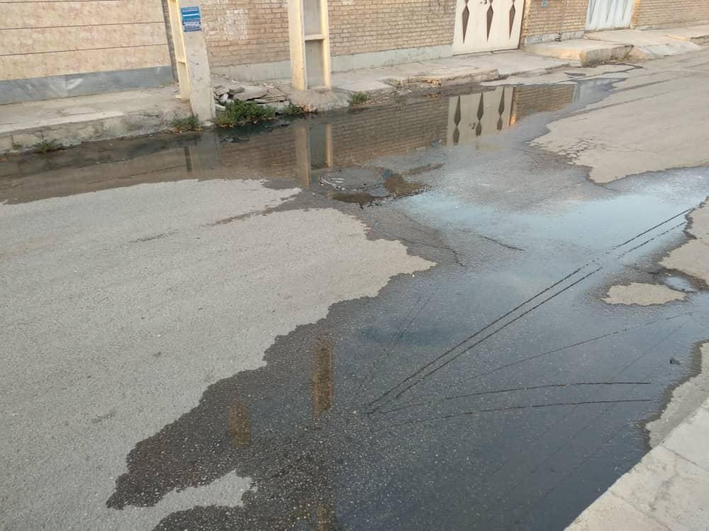 وضعیت اسفناک شهر اهواز به علت یک مشکل عمومی/ تهدید سلامت و بهداشت مردم بواسطه اهمال مسئولان آبفا / نگرانی از بوی تعفن آب شرب مردم