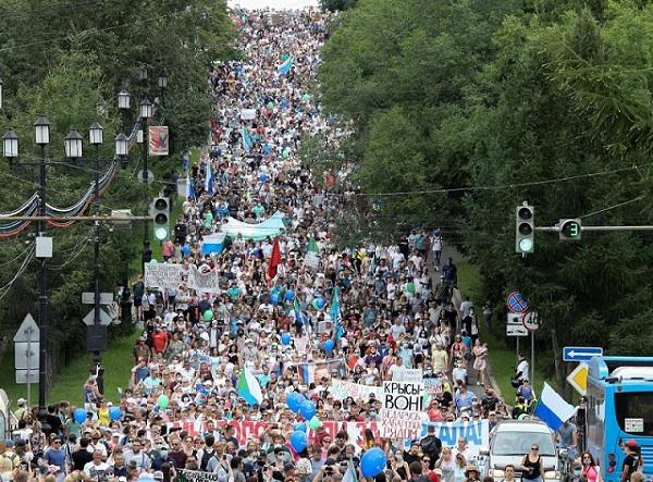اعتراضات هزاران نفری در خاوردور روسیه (+عکس)