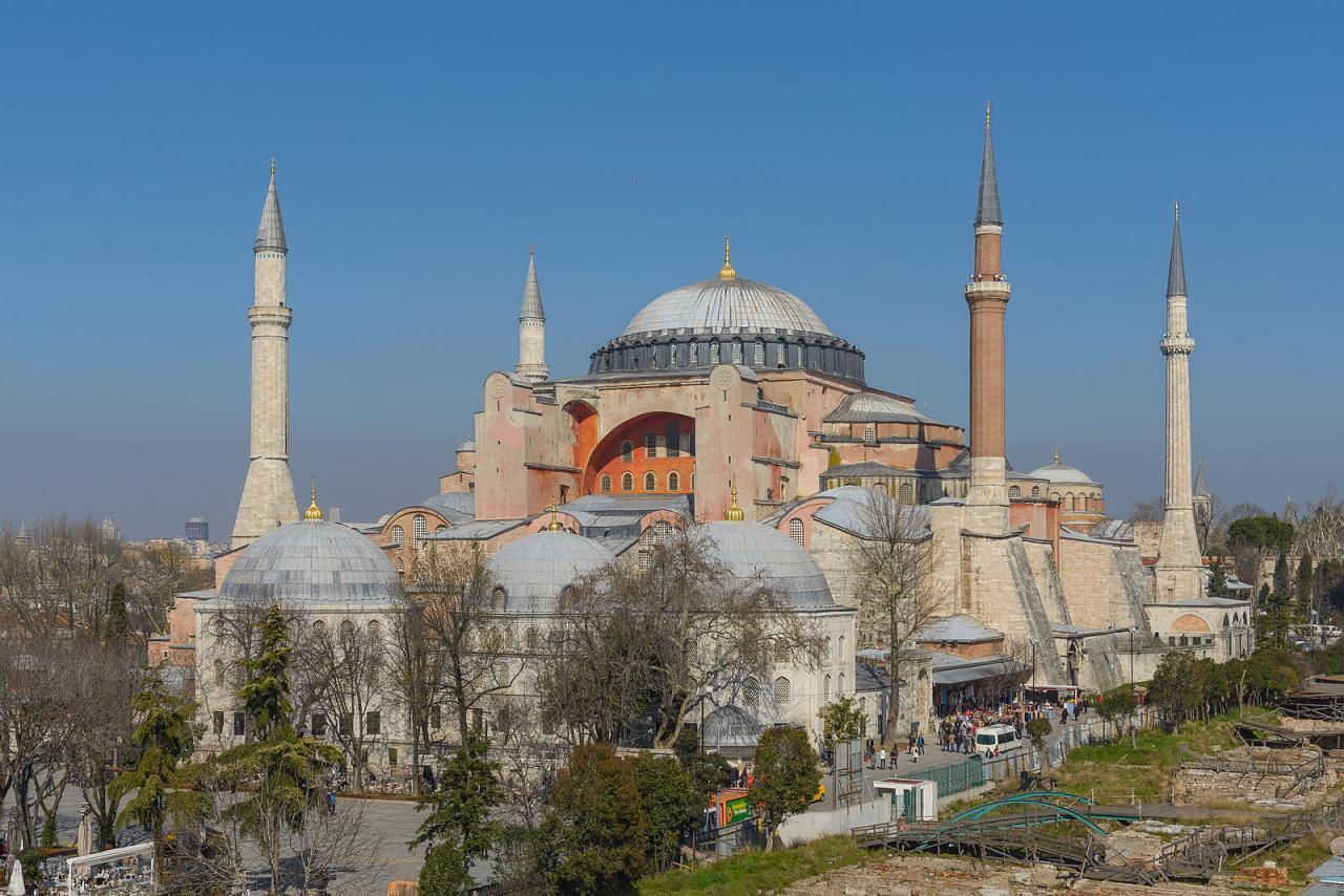 تبدیل کلیسا به مسجد، کار نادرست اردوغان