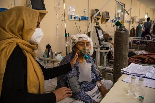 وزارت بهداشت: همه اتباع خارجی مبتلا به کرونا در ایران رایگان درمان میشوند