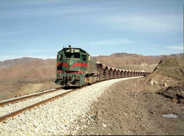 ضرورت سرمایه گذاری بخش انرژی در اتصال ریلی اهواز به شیراز و بوشهر