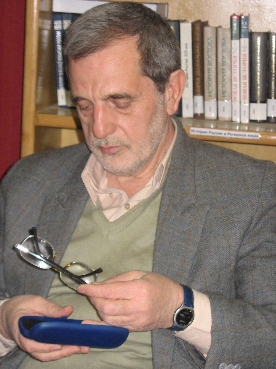 درگذشت مدیر سابق رادیو تهران به دلیل کرونا
