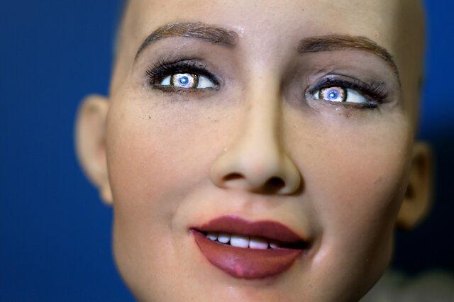 """""""سوفیا"""" و کارهای خارقالعاده اش / این ربات 3 ساله باهوش شاید دنیا را تغییر دهد"""