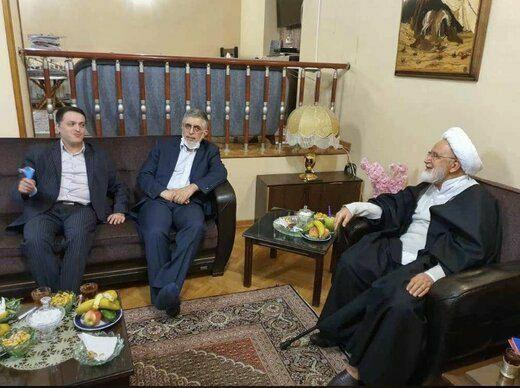 ديدار كرباسچی و محمد قوچانی با كروبی بعد از ۱۰ سال (+عکس)