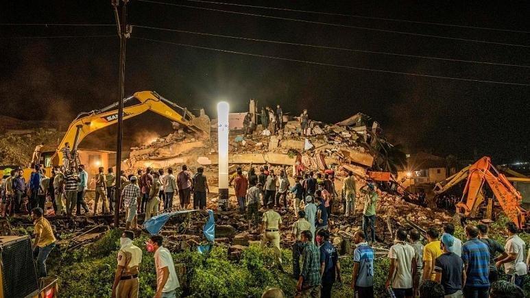 ریزش ساختمان 5 طبقه در هند