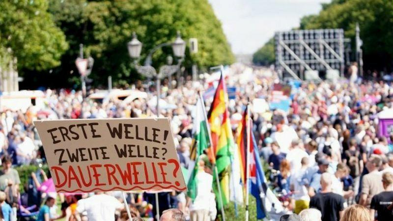 تظاهرات علیه ماسک در آلمان (+عکس)