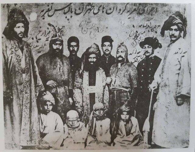 اجرای تعزیهگردانهای طهران با لباس تعزیه