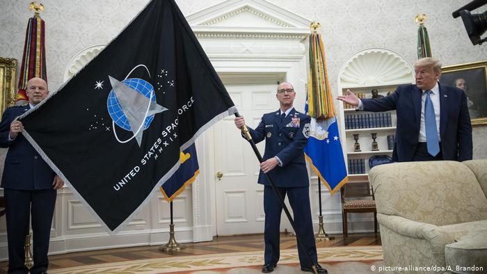 استقرار نخستین واحد نیروی فضایی آمریکا در پایگاه
