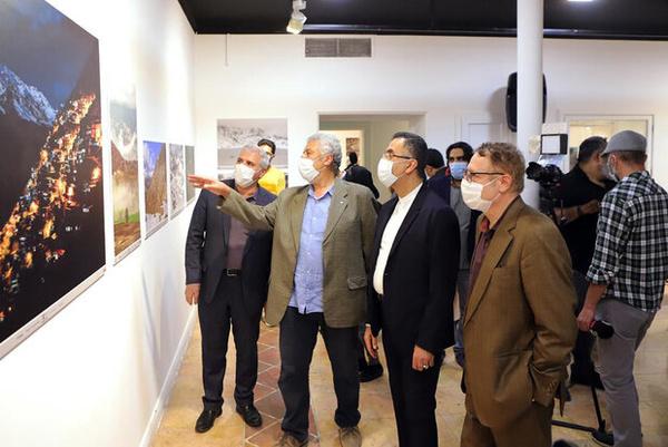 افتتاح نمایشگاه «اورامان: دامان آسمان» در خانه هنرمندان