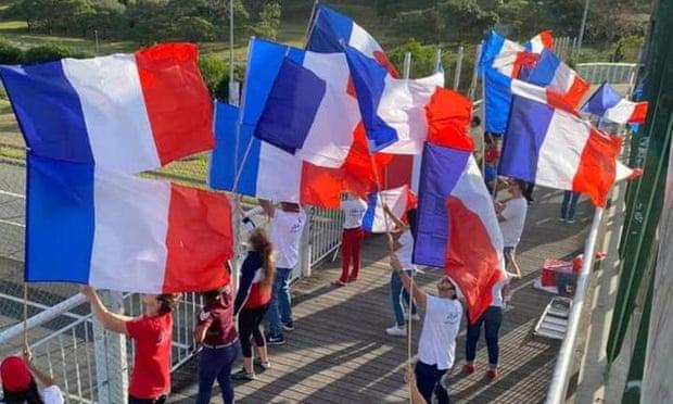 همه پرسی استقلال یک جزیره از فرانسه