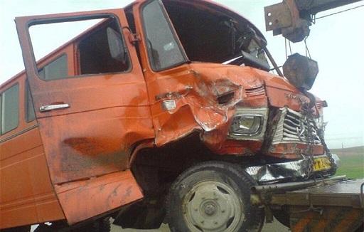 ۹ مصدوم در واژگونی مینیبوس در شاهینشهر اصفهان