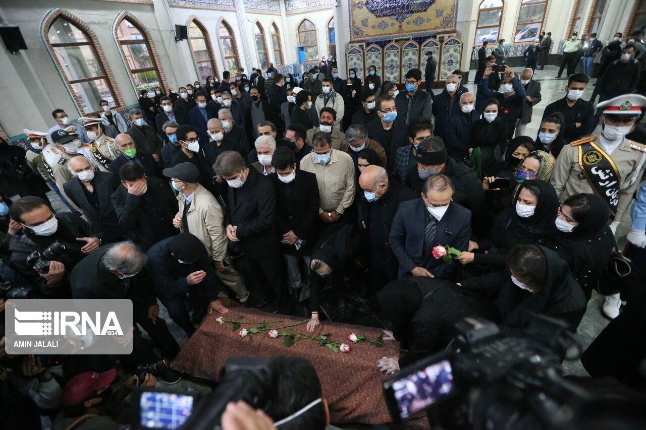 1143736 180 - گزارش کامل از مراسم تشییع و تدفین پیکر استاد محمدرضا شجریان + فیلم و عکس
