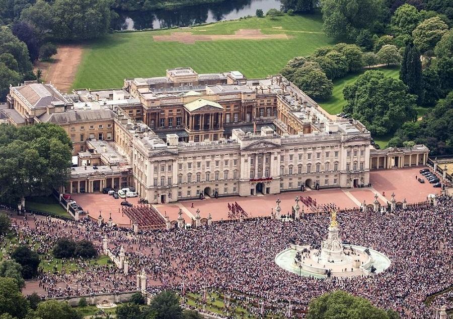 گزارش تصویری از کاخ باکینگهام (+عکس)