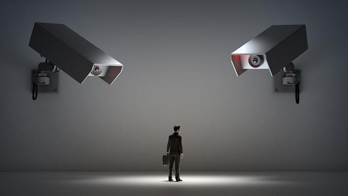 قوانین مقابله با انحصار فضای مجازی در ایران و آمریکا