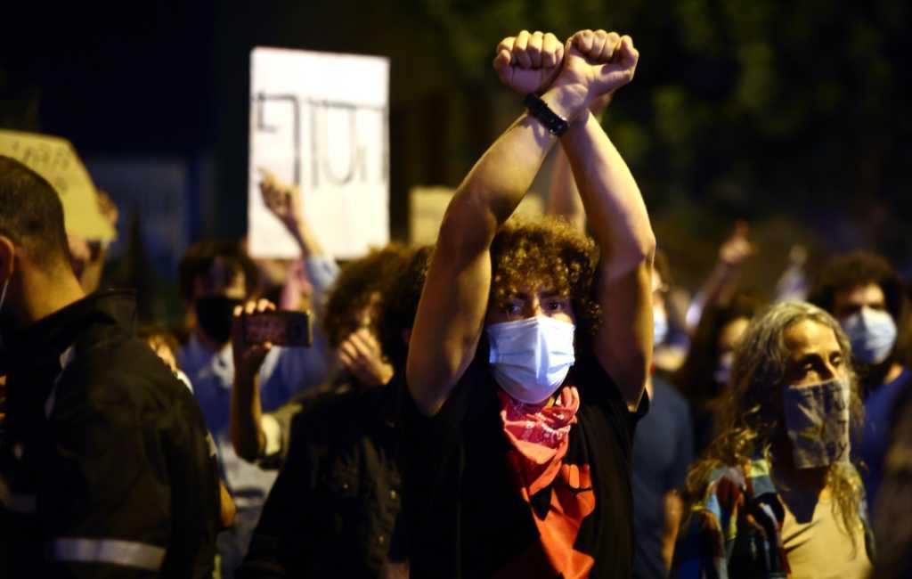 تظاهرات در یک کیلومتری خانه اسرائیل
