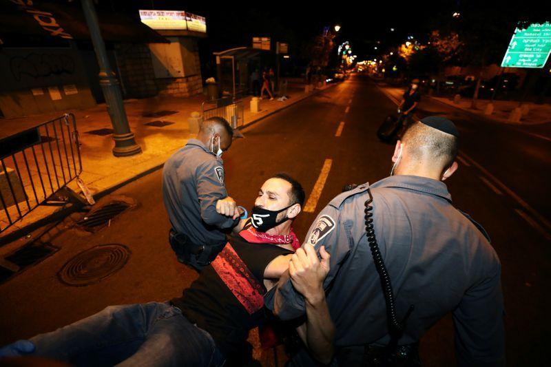 بازداشت چند معترضرض در تظاهرات اسرائیل