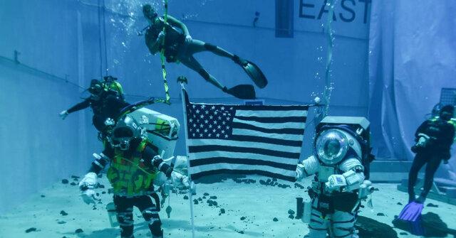 ناسا در زیر آب