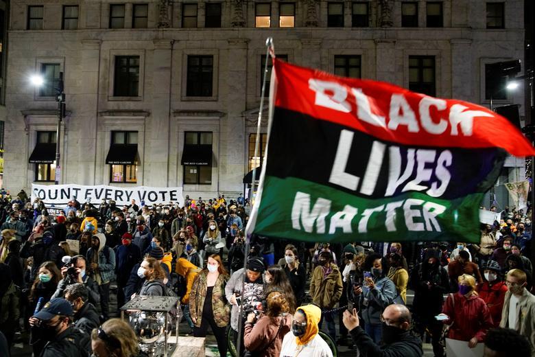 تظاهرات به نتایج انتخابات در  آمریکا (+عکس)