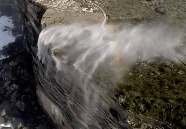 آبشارهای برعکس