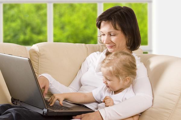 جدایی کودک از مادر شاغل سخت است؟