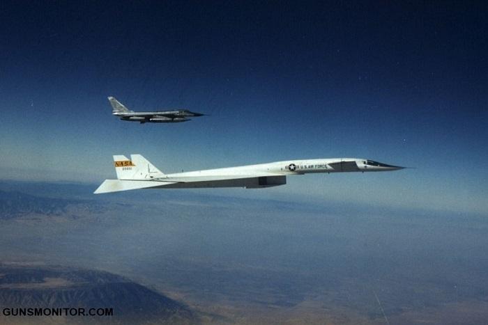 وقتی آخرین بمب افکن XB-70 آشیانه خود را ترک می کند! (+عکس)
