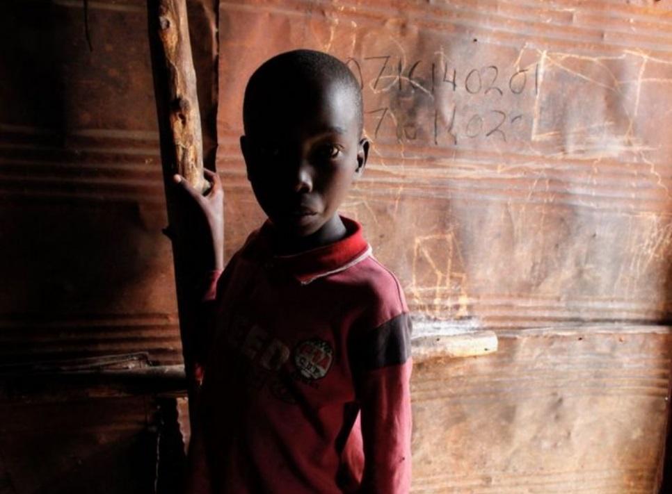 یک کودک کنیایی در منطقه کائول