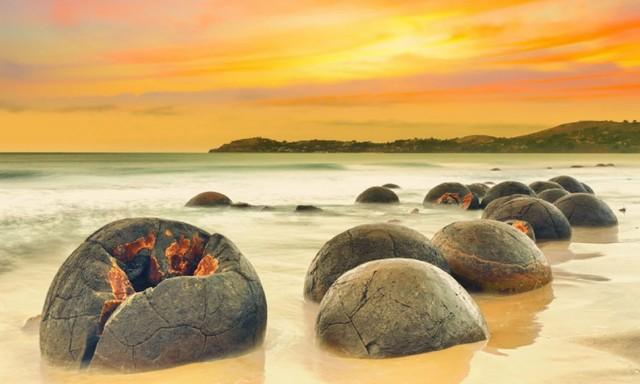 تختههای سنگی موراکی در نیوزیلند