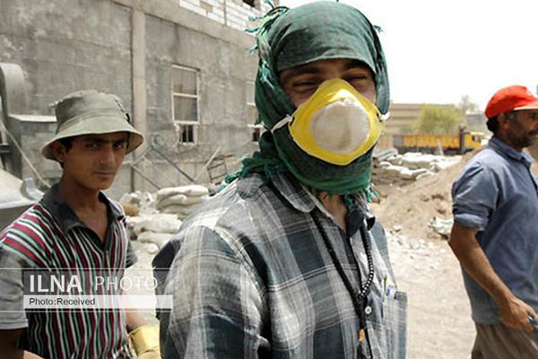 کارگران ساختمانی: در ماه ده روز هم کار نمیکنیم/ فقط با یارانه زندگی میکنیم