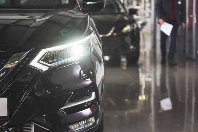 آشنایی با تجهیزاتی که سیستم روشنایی و صوتی خودرو را بینظیر میکنند