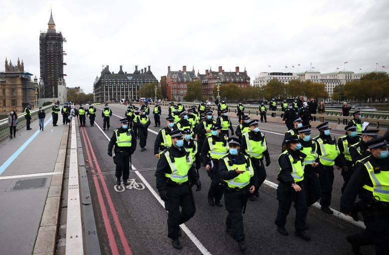 در حالیکه کرونا در اروپا رکورد میزند؛ تظاهرات ضدقرنطینه افزایش مییابد
