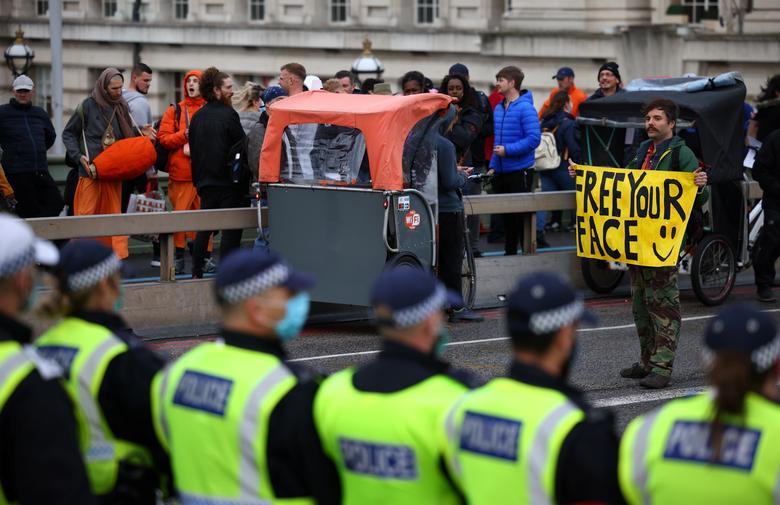 مخالفان قرنطینه د راروپا تظاهرات کردند