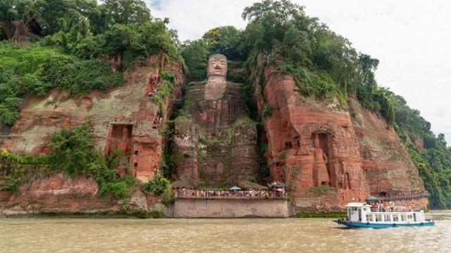 بودای بزرگ چین