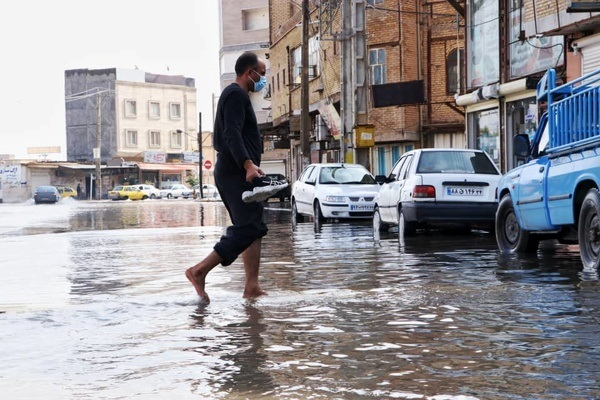 خوزستان زیر آب/ ورود فاضلاب به منازل/ خطر فرو ریختن خانههای مناطق حاشیهنشین