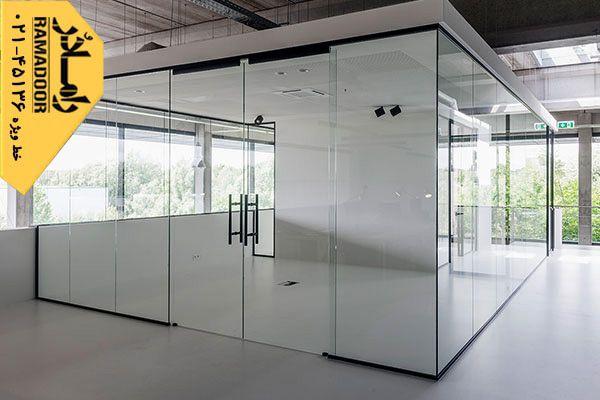 مزایای استفاده از دیوار های بی رنگ، شیشه پارتیشن