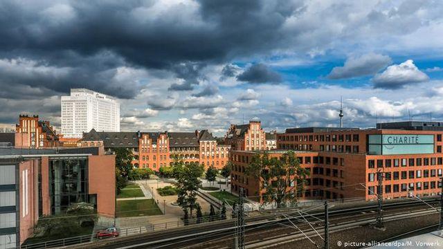 بیمارستان شاریته برلین در آلمان