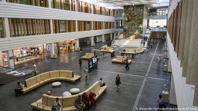 بیمارستان دانشگاهی کارولیسنکا در سوئد