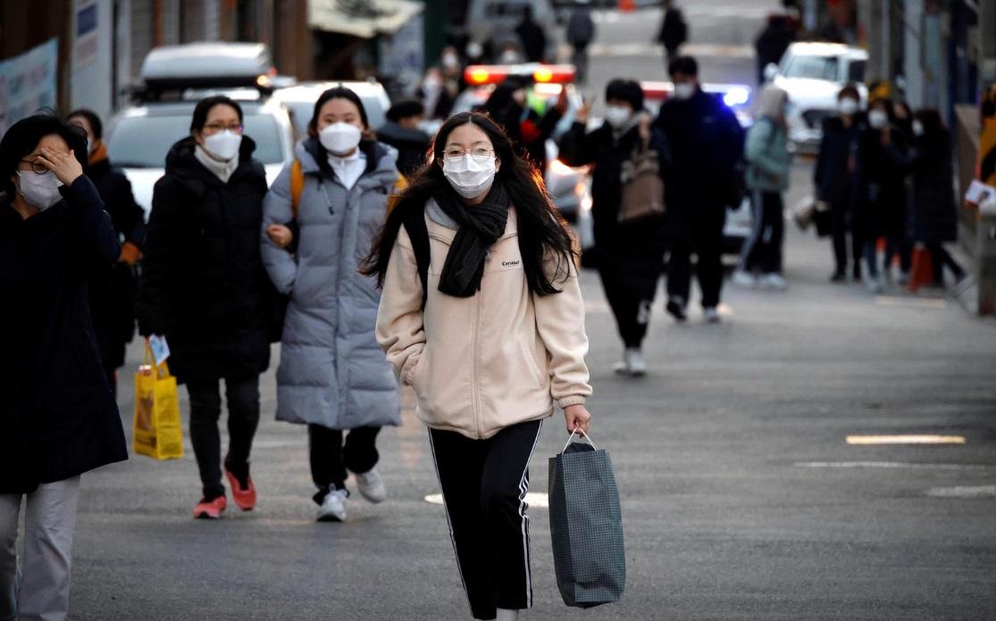 کنکور کره جنوبی؛ برگزاری امتحان در بیمارستان و جداسازی داوطلبان با سپرهای محافظ