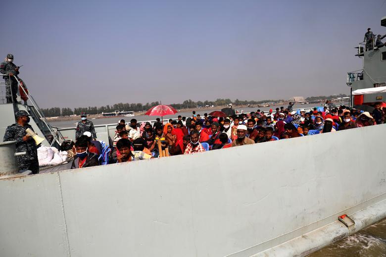 مسلمانان روهینگیا در کشتی
