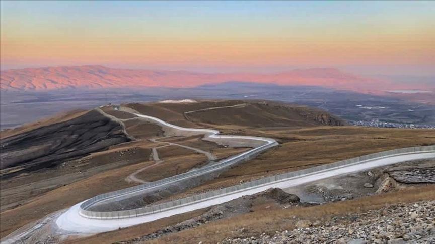 تکمیل شدن دیوار 81 کیلومتری ترکیه در مرز با ایران (+عکس)