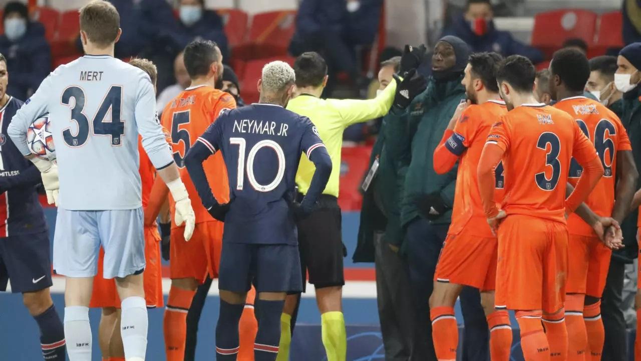 لغو یک بازی فوتبال به خاطر نژادپرستی/ مقصر: داور چهارم