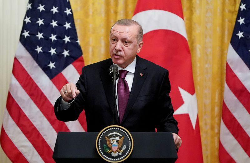 آمریکا ترکیه را به خاطر خرید سامانه دفاعی اس400 از روسیه، تحریم میکند